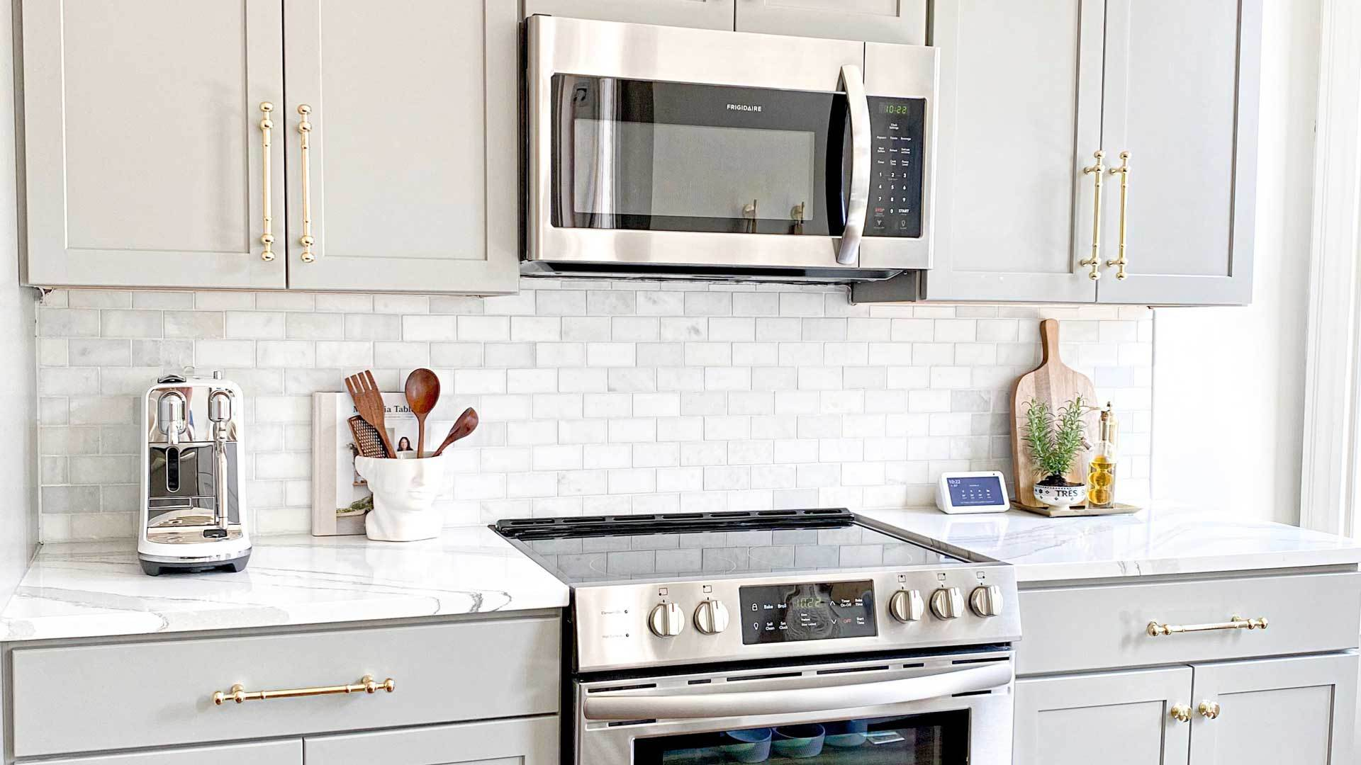 Cooktop-vs.-Wall-Oven-Things-to-Consider-While-Choosing-on-99insight